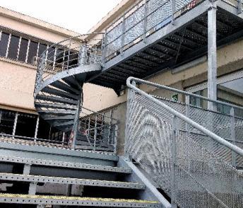 Plateformes et escaliers galvanisés