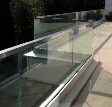 Garde-corps en verre/inox