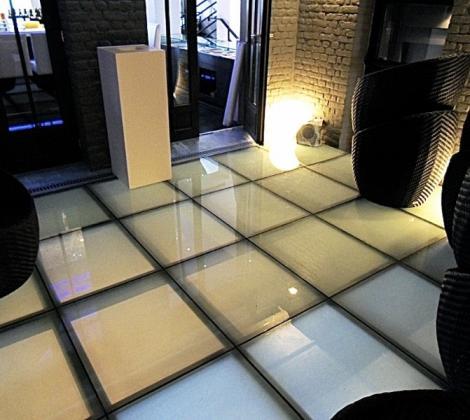 passerelle mezzanine mezzanine mezzanine vitr e. Black Bedroom Furniture Sets. Home Design Ideas