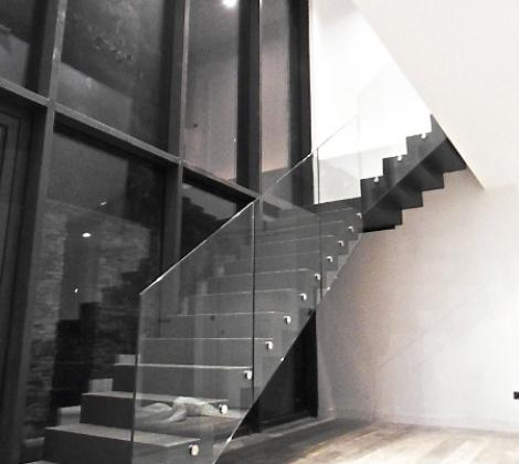 escaliers cr maill re escalier cr maill re en acier. Black Bedroom Furniture Sets. Home Design Ideas