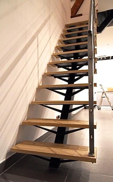 Escalier et garde corps m talliques nord pas de calais - Escalier limon central bois ...